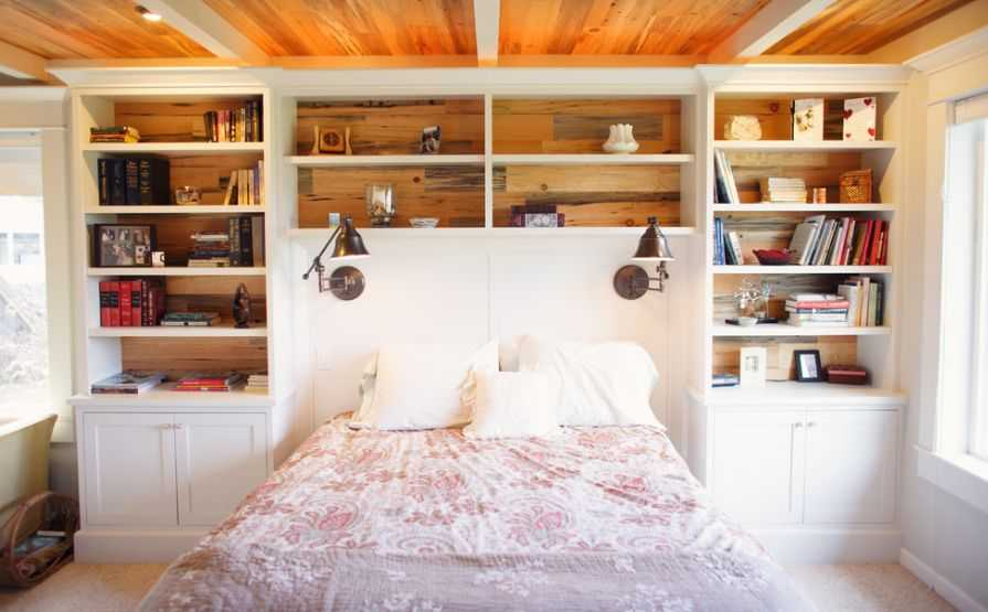 Headboard bookshelves